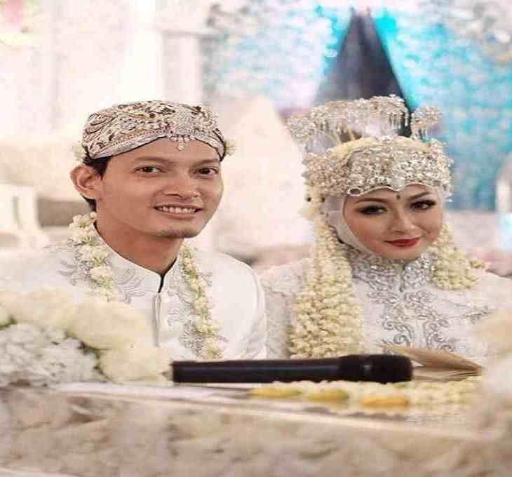 Indonesian Muslim Wedding Ceremony yourdevan